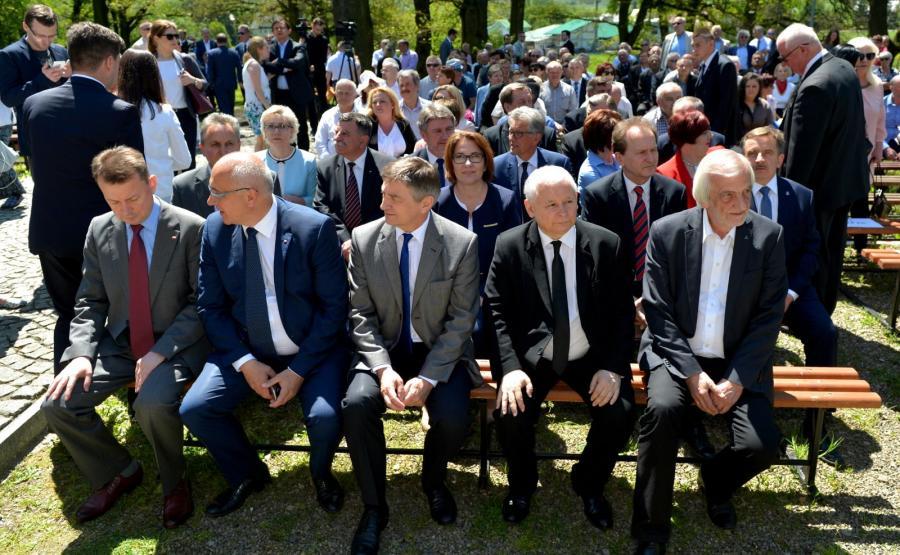 Politycy PiS na wyjazdowym posiedzeniu klubu w Strachocinie