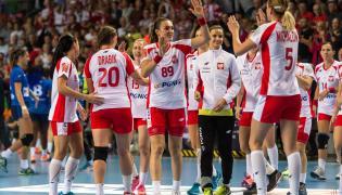 Radość polskich zawodniczek po wygranym kwalifikacyjnym meczu mistrzostw Europy piłkarek ręcznych z reprezentacja Włoch