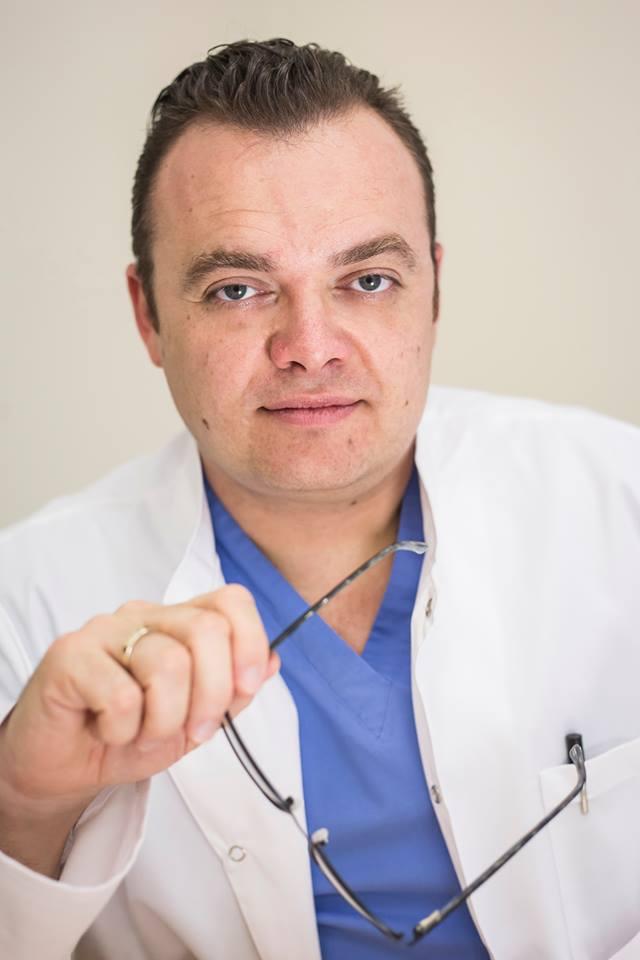 dr Tomasz Basta