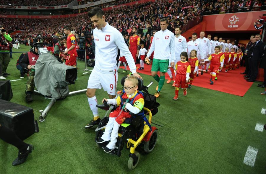 Niepełnosprawny Franek Trzęsowski z Kaliskich Sulisławic i Robert Lewandowski