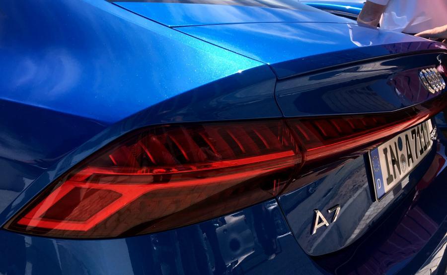 Audi A7 Sportback. Oprócz nowego wyglądu producent oferuje aż 15 kolorów nadwozia, z czego 8 zupełnie nowych