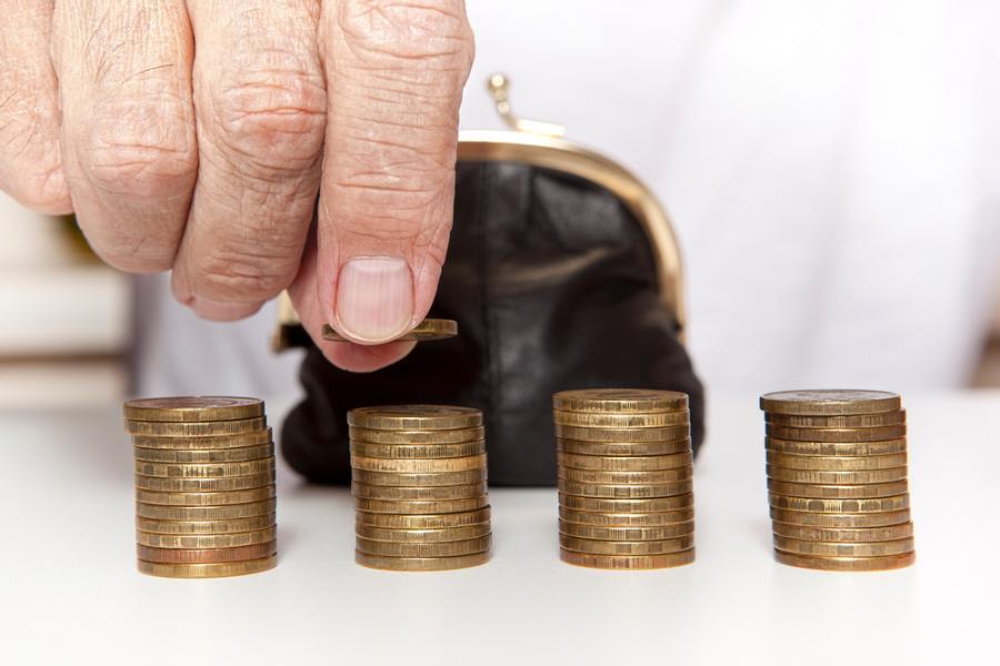 emeryt senior pieniadze