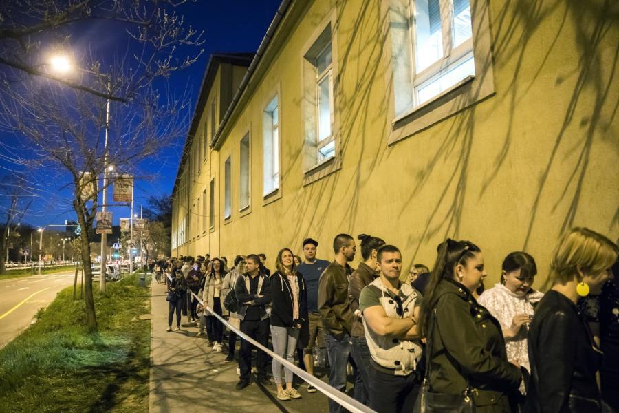 Wybory na Węgrzech. Kolejka do głosowania w Budapeszcie