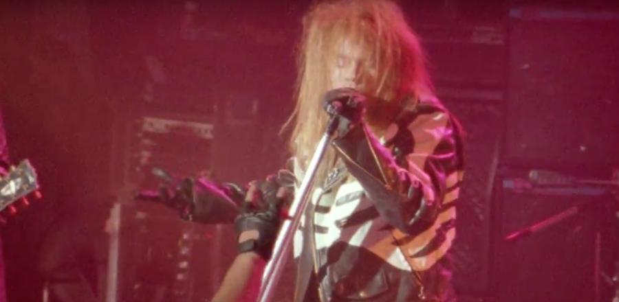 Kadr z teledysku Guns N\' Roses \