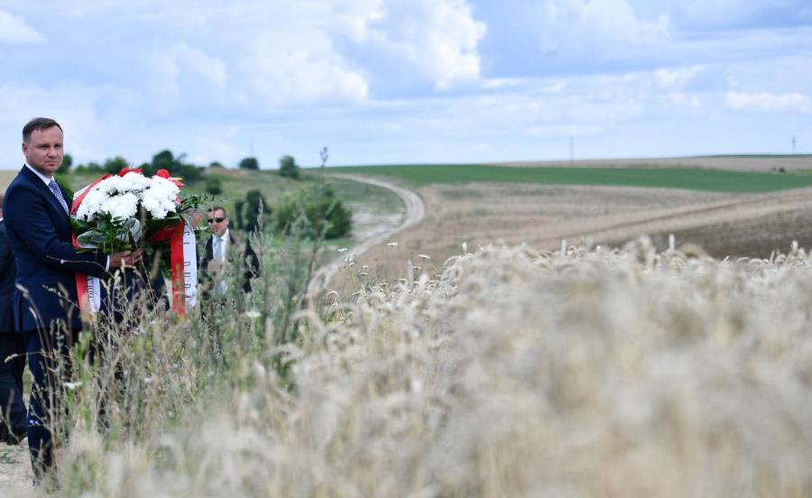 Prezydent Andrzej Duda na terenach nieistniejących już dzisiaj polskich wsi na Wołyniu na Ukrainie