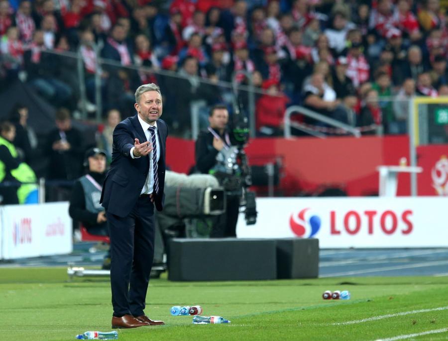 Selekcjoner piłkarskiej reprezentacji Polski Jerzy Brzęczek podczas meczu z Portugalią w piłkarskiej Lidze Narodów w Chorzowie
