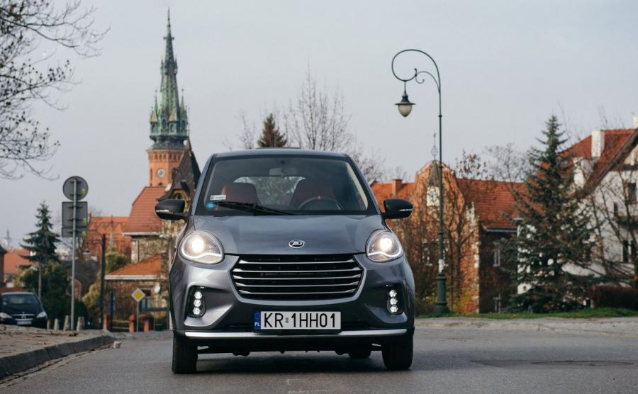 Krakowska spółka EVP przekonuje, że mikrosamochód elektryczny ZD D2S ma szansę się sprawdzić. Pozwoli na szybkie przemieszczanie się po mieście, zwiększy też szansę na znalezienie miejsca parkingowego