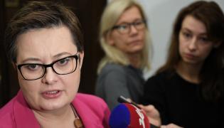 Przewodnicząca Nowoczesnej Katarzyna Lubnauer podczas konferencji prasowej w Sejmie