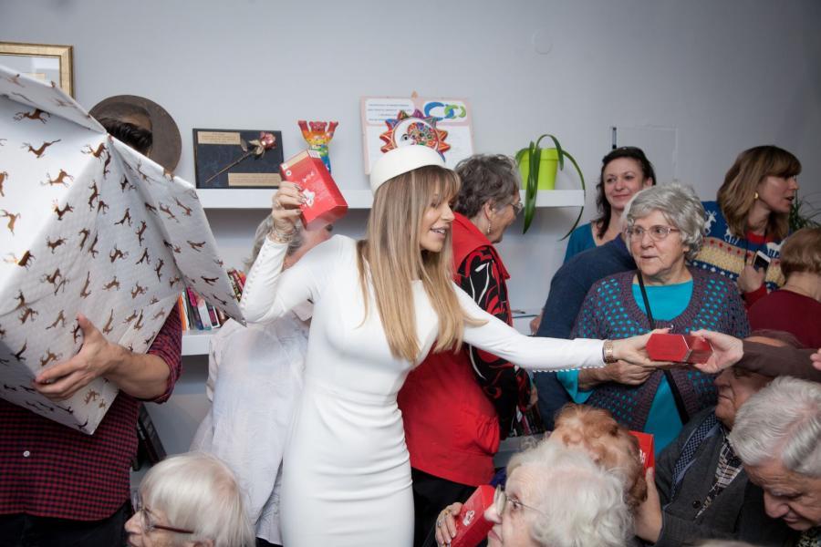 Mikołajkowe spotkanie Dody z seniorami. fot. Justyna Lenart