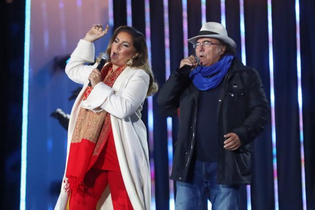 l Bano (P) i Romina Power podczas Sylwestra z Dwójką w Zakopanem