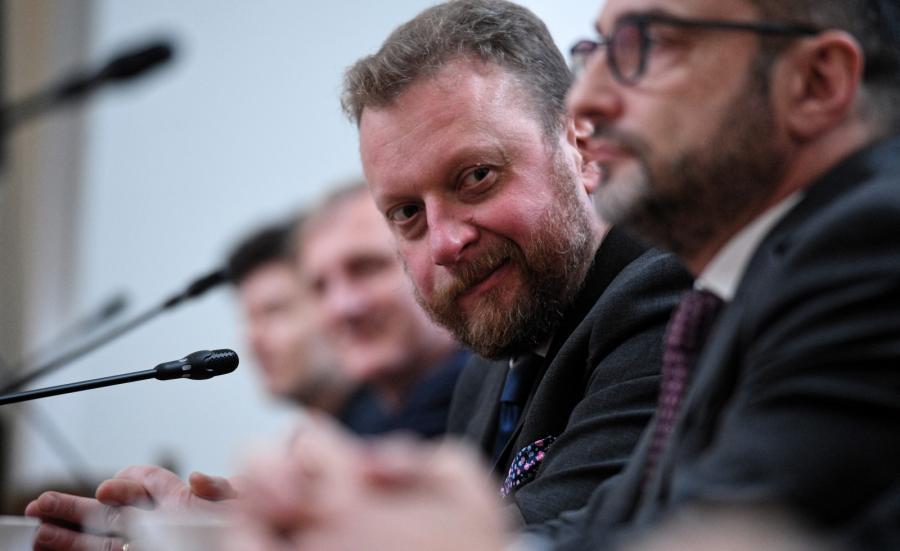 Minister zdrowia Łukasz Szumowski oraz lekarz neurolog Anna Kostera-Pruszczyk