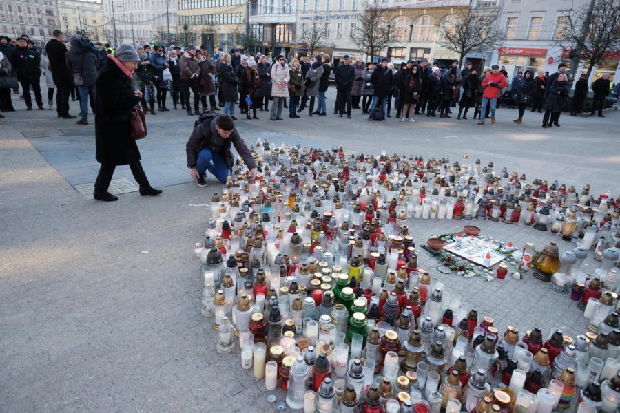 Mieszkańcy Poznania na Placu Wolności