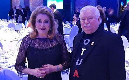 Catherine Deneuve i Lech Wałęsa