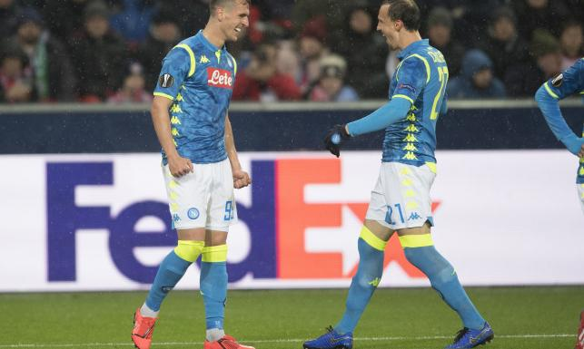 Liga Europejska: Piękny gol Arkadiusza Milika, awans Napoli [WIDEO]