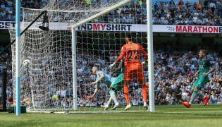 Phil Foden strzela gola dla Man City