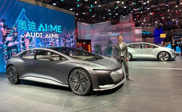 Audi AIcon to również model, za który odpowiada Bogusław Paruch. W tle Audi AI:ME. Polak jest szefem obu projektów