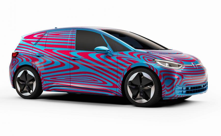 Volkswagen ID.3 ma zastąpić e-Golfa, być od niego znacznie tańszy i bardziej praktyczny – mieć więcej miejsca we wnętrzu, większy zasięg, jeszcze intensywniej korzystać z internetu
