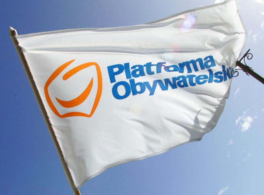 Platforma chce złowić znanego polityka