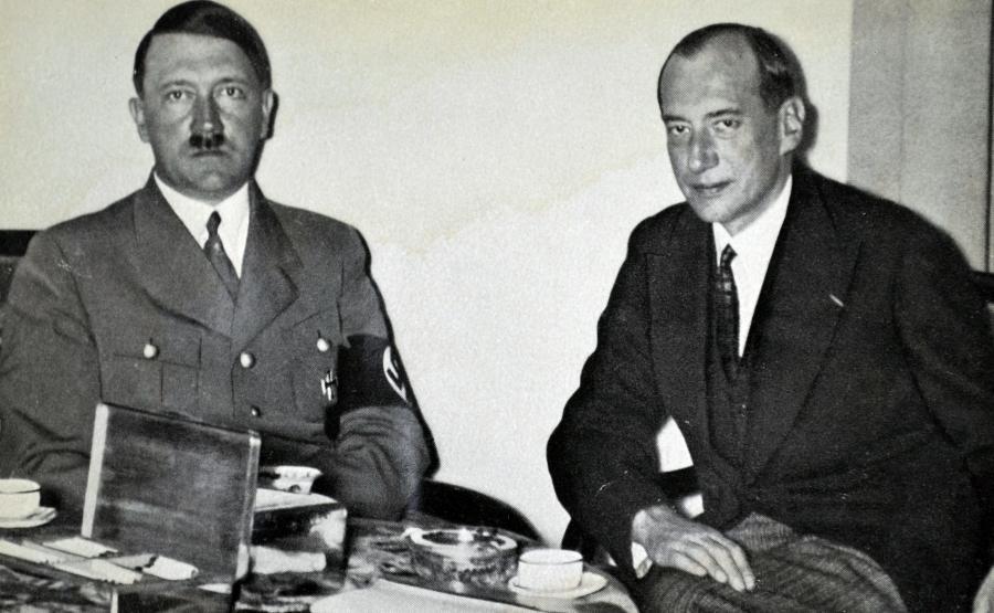 Józef Beck podczas spotkania z Adolfem Hitlerem