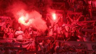 Kibice piłkarskiej reprezentacji Polski podczas meczu eliminacyjnego mistrzostw Europy grupy G z Macedonią Północną w Skopje