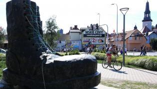 Pomnik glana w Jarocinie