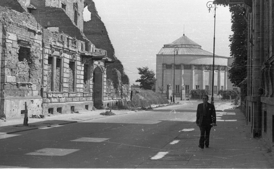 Budynek Sejmu odbudowano w latach 1946-1947