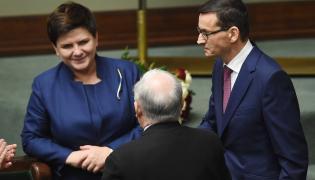 Beata Szydło z Jarosławem Kaczyńskim i Mateuszem Morawieckim
