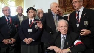 Druga od lewej Wanda Woś-Lorenc