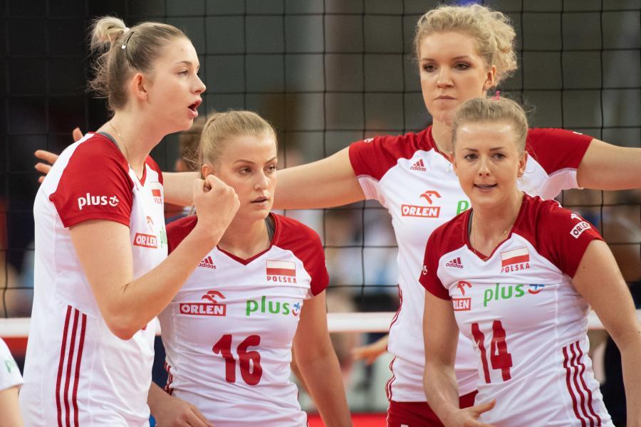 Radość Polek ze zdobytego punktu w meczu grupy B z Włoszkami podczas mistrzostw Europy siatkarek w Łódzkiej \
