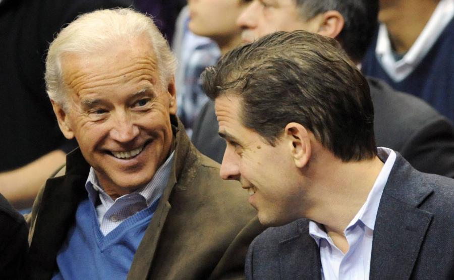 Joe Biden z synem Hunterem