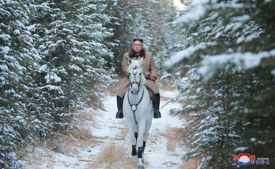 Kim Dzong Un na koniu