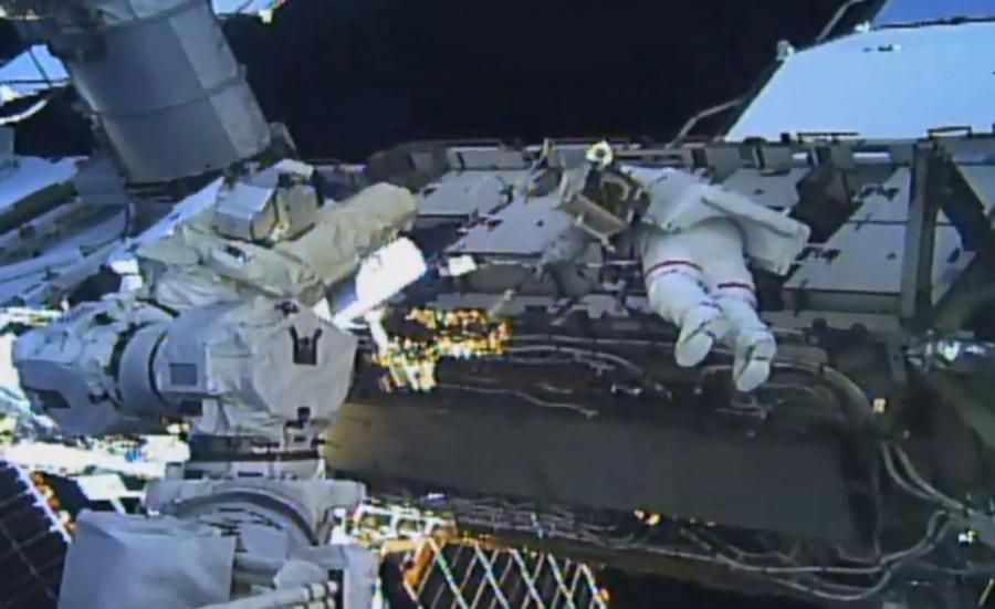 Naprawa elementów ISS