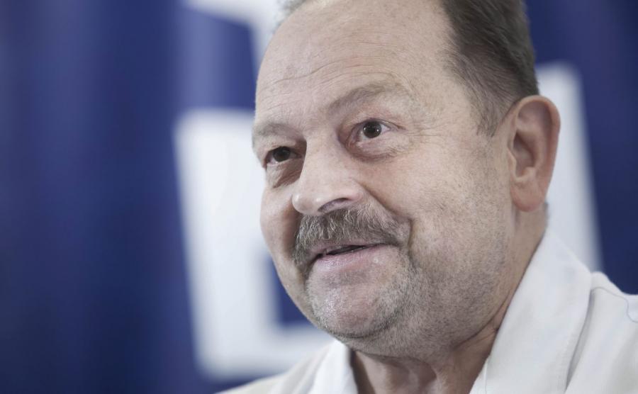 Operację autotransplantacji serca i wycięcia guza wykonał zespół pod kierunkiem doktora Romana Przybylskiego