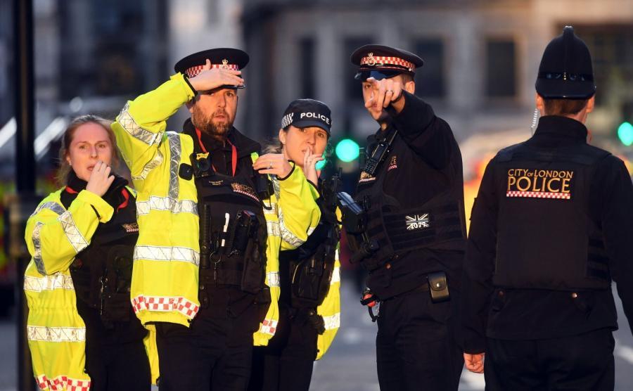 Policja zabezpiecza miejsce ataku