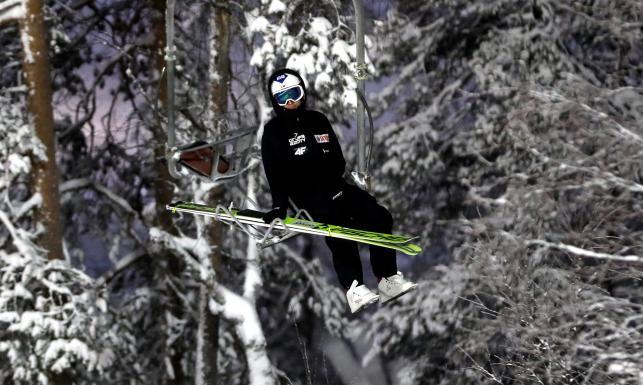 PŚ w skokach: Konkurs Kuusamo odwołany. Wiatr pokrzyżował plany