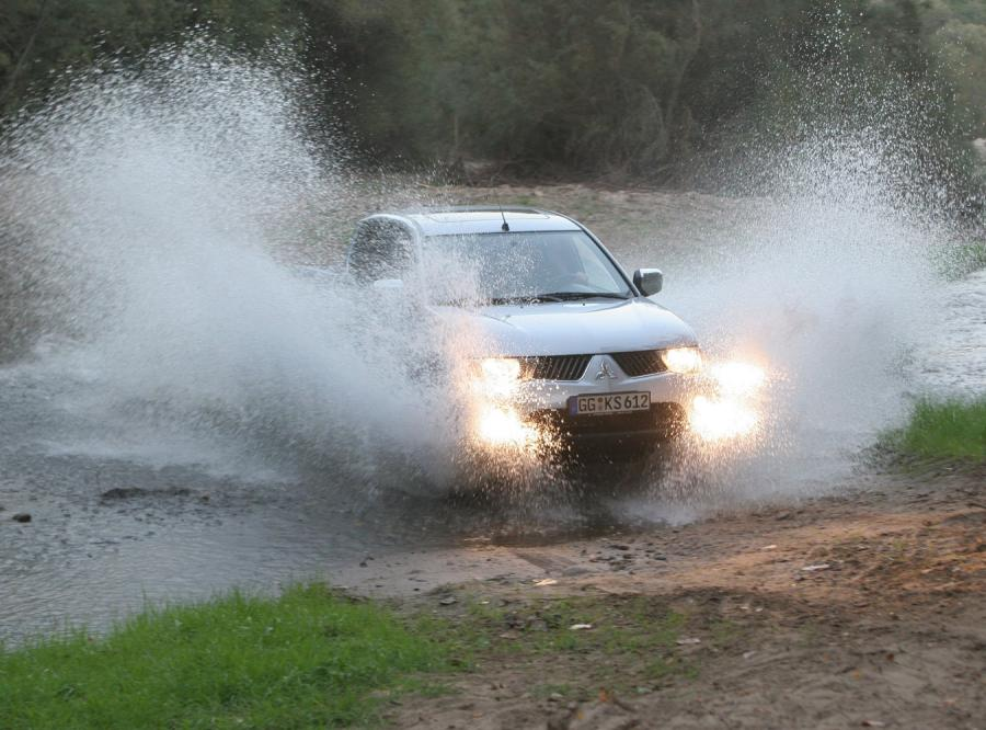 Polacy kupują Mitsubishi