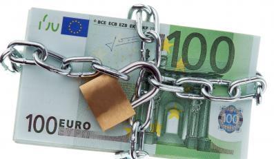Rząd Tuska mrozi euro