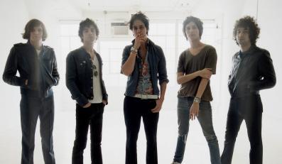 The Strokes w pełnym składzie