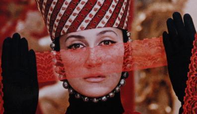 """Osadzone w tradycji ormiańskiej """"Barwy granatu"""""""