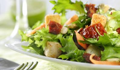 Sałatka zamiast obiadu gwarantuje skuteczne odchudzanie