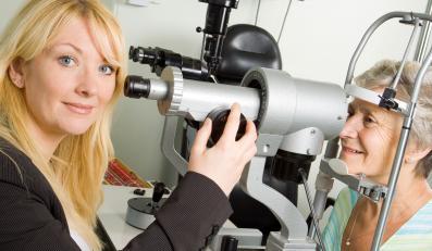 Regularnie badaj oczy. Możesz ocalić wzrok