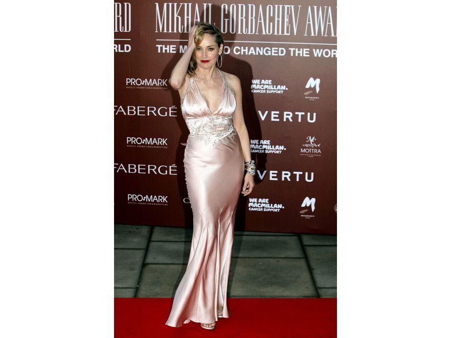 Sharon Stone w kreacji Christiana Diora na urodzinach Michaiła Gorbaczowa