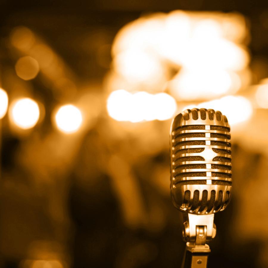 Mikrofon (zdjęcie ilustracyjne)