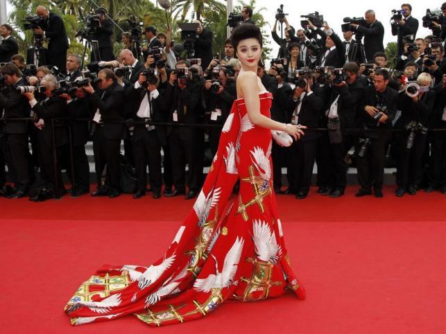 Fan Bingbing i najpiękniejsza suknia całego festiwalu w Cannes. Jej autorem jest stylista aktorki Chris Bu Kewen