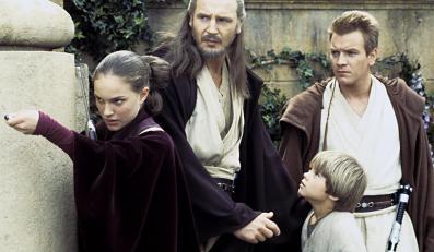 """Ewan McGregor, Liam Neeson i Natalie Portman w """"Mrocznym widmie"""