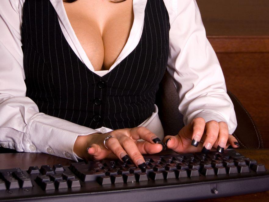 Randkowanie w internecie może być niebezpieczne.