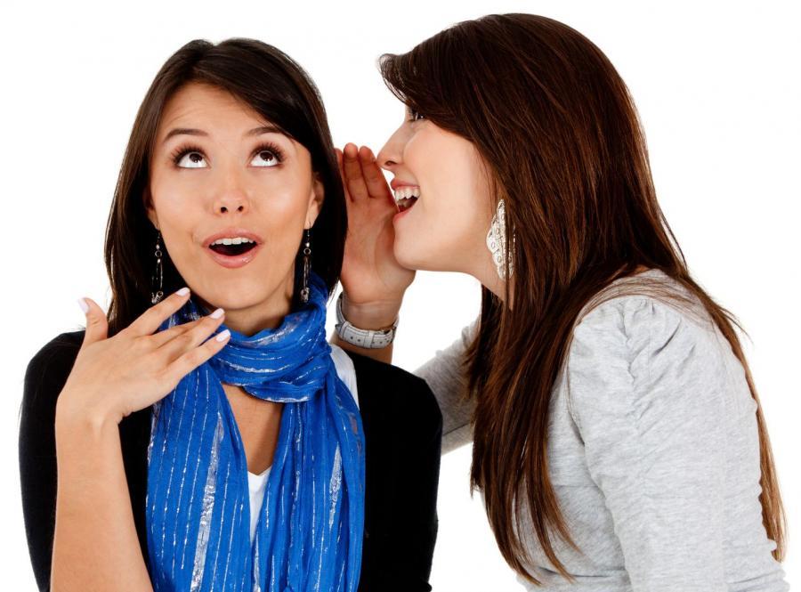 Kobiety preferują plotkowanie z przyjaciółkami, jednak partner może być równie dobrym towarzyszem pogaduszek