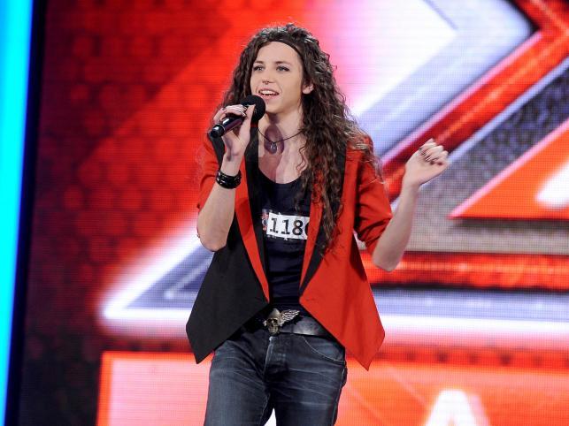 """Michał Szpak, uczestnik """"X Factor"""", który zaraz po zakończeniu programu stał się celebrytą często goszczącym w polskich mediach"""