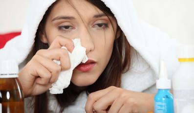 Wraz z przyjściem jesieni pojawiają się pierwsze zachorowania na grypę