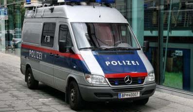 Hakerzy opublikowali dane osobowe pracowników policji w Austrii
